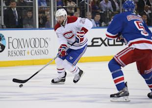 Thomas Vanek might have to decide between a short-term deal in Minnesota or a longer offer elsewhere. (Getty)