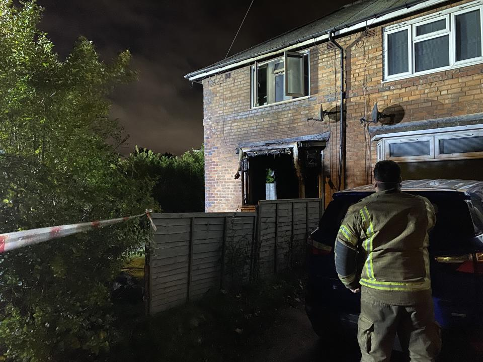 Tasharna Walters, 17, risked her own life to rescue two children from the burning house. (BPM)