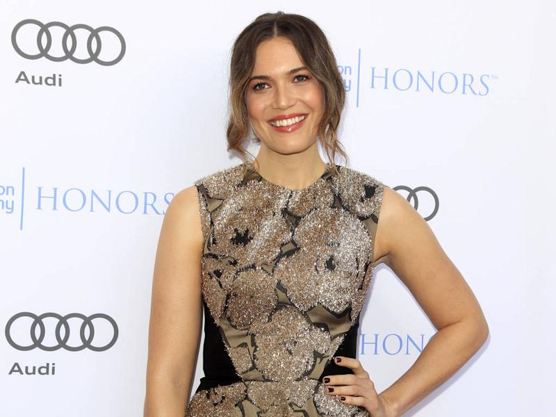 Mandy Moore engaged - report