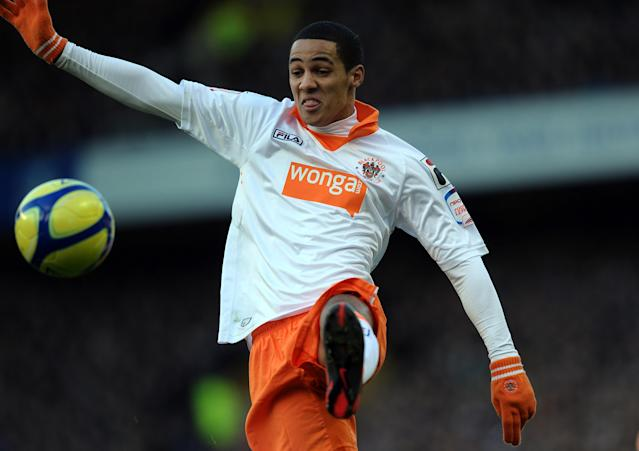 Blackpool's English midfielder Thomas Ince controls the ball during the English FA Cup 5th Round football match between Everton and Blackpool at Goodison Park in Liverpool, north-west England on February 18, 2012 (AFP Photo/Paul Ellis)