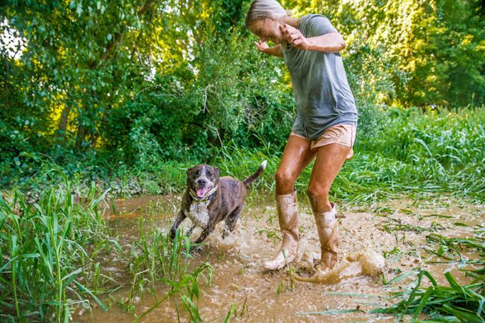 Phyliss and Remy get muddy. (Courtesy of Kristen Kidd Photography)