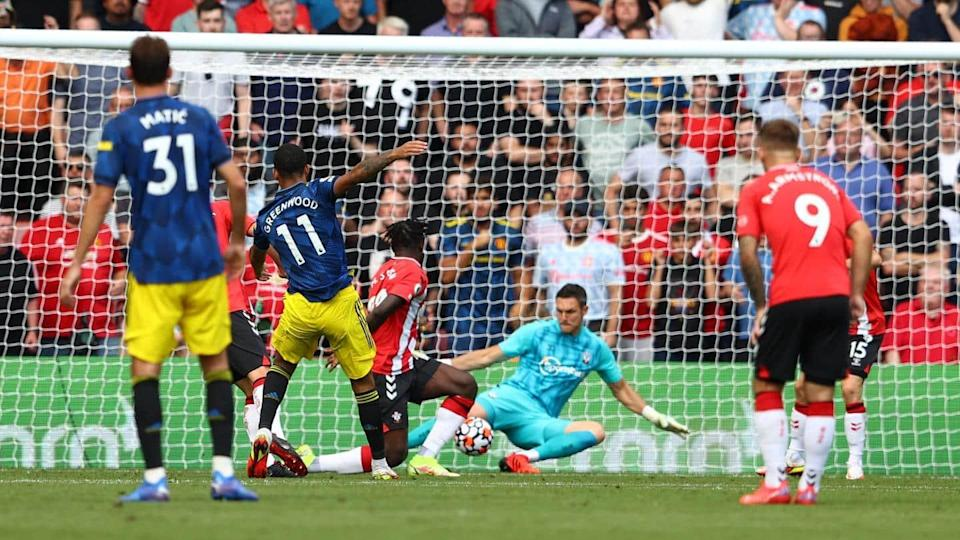 Premier League: Manchester United held to 1-1 draw by Southampton