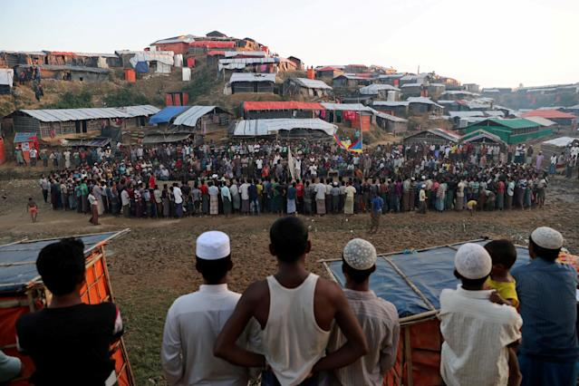 REFILE - CORRECTING NAME OF DISCIPLINE Rohingya refugees watch a game of volleyball in a makeshift refugee camp in Cox's Bazar, Bangladesh November 8, 2017. REUTERS/Mohammad Ponir Hossain