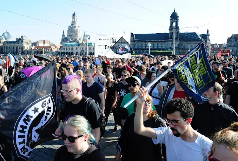 Anti-racism protesters take part in a rally on August 29, 2015 in Dresden,eastern Germany (AFP Photo/Robert Michael)