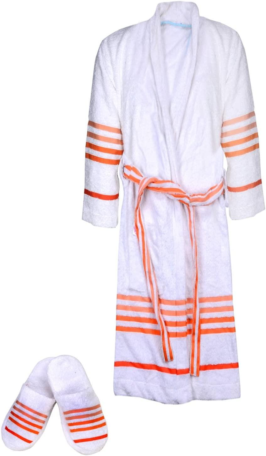 Casa Copenhagen Exotic Terry Cotton Bathrobe and Slipper Set (Photo via Amazon)