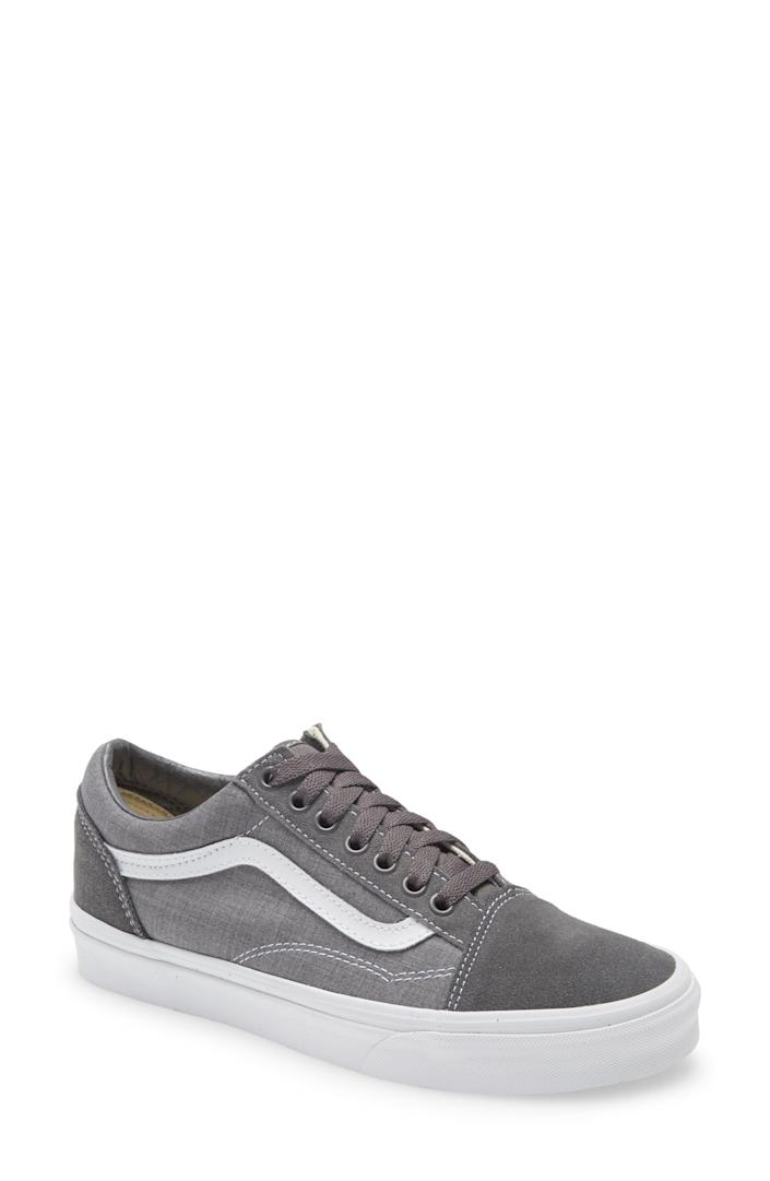 """<p><strong>Vans</strong></p><p>nordstrom.com</p><p><strong>$42.90</strong></p><p><a href=""""https://go.redirectingat.com?id=74968X1596630&url=https%3A%2F%2Fwww.nordstrom.com%2Fs%2Fvans-old-skool-sneaker-unisex%2F5885333&sref=https%3A%2F%2Fwww.bestproducts.com%2Ffitness%2Fg37158206%2Fnordstroms-anniversary-sale-best-sneakers%2F"""" rel=""""nofollow noopener"""" target=""""_blank"""" data-ylk=""""slk:BUY IT HERE"""" class=""""link rapid-noclick-resp"""">BUY IT HERE</a></p><p><del>$65</del><strong><br>$42.90</strong></p><p>Embrace your inner skater with a classic style from Vans. Simply put, these are effortlessly cool and timeless.</p>"""