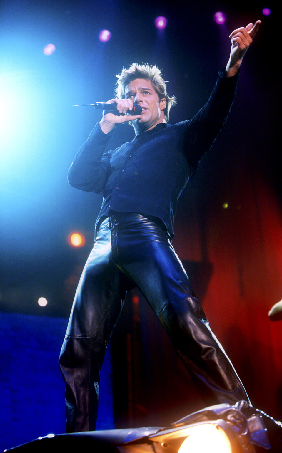 <p>Ricky Martin, on the other hand, is perfectly comfortable in leather, living his vida loca in them. <i>(Photo: Getty Images)</i></p>
