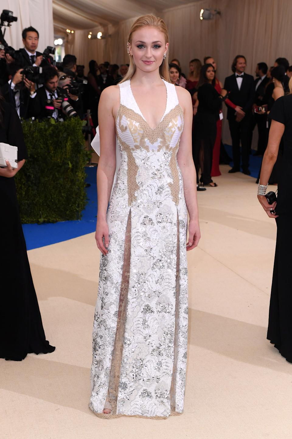 """<h1 class=""""title"""">Sophie Turner in Louis Vuitton and Repossi jewelry</h1><cite class=""""credit"""">Photo: Shutterstock</cite>"""