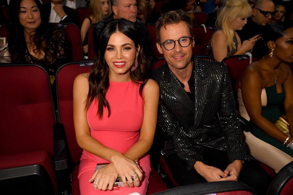 Jenna Dewan and Brad Goreski attend the 2019 American Music Awards at Microsoft Theater on Nov. 24 in Los Angeles. (Photo: Jeff Kravitz/AMA2019 via Getty Images)