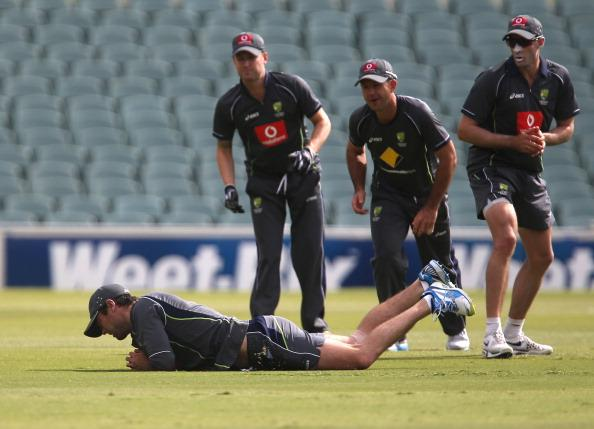 ADELAIDE, AUSTRALIA - NOVEMBER 20: Rob Quiney takes a catch while Michael Clarke, Ricky Ponting and Michael Hussey looks on during an Australian training session at Adelaide Oval on November 20, 2012 in Adelaide, Australia.  (Photo by Regi Varghese/Getty Images)