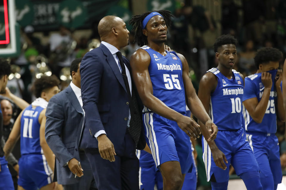 Memphis Tigers head coach Penny Hardaway talks to Memphis Tigers forward Precious Achiuwa (55) at the end of the 1st half of the college basketball game between the Memphis Tigers and South Florida Bulls.