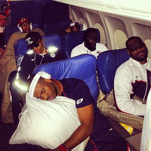 Kevin Love catches USA teammates, Coach K fast asleep on plane (PHOTO)