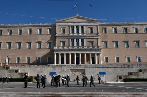 Greece inks deal with creditors to unlock 12-bn euros