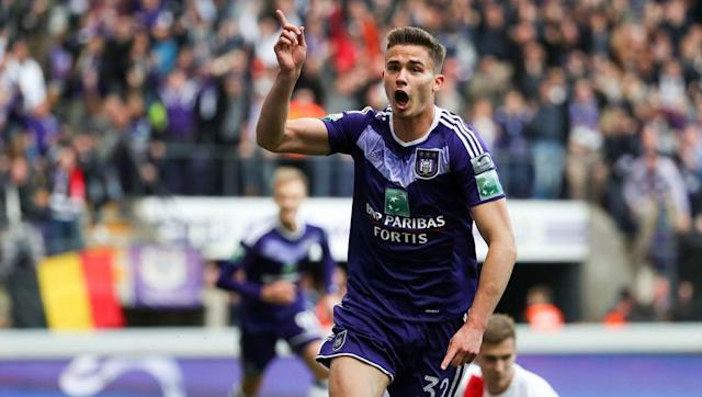 ​Crystal Palace are reported to be interested in Belgium international, Leander Dendoncker, according to the Daily Mail. The 23-year-old midfielder wants to leave his current side Anderlecht, and is said to be keen on a move to the Premier League. West Ham have watched the box to box midfielder this season, but Hammers boss David Moyes was hesitant, predominantly as Anderlecht wanted around £20 million in the January transfer window. Roy Hodgson's side will undoubtedly be looking to improve...