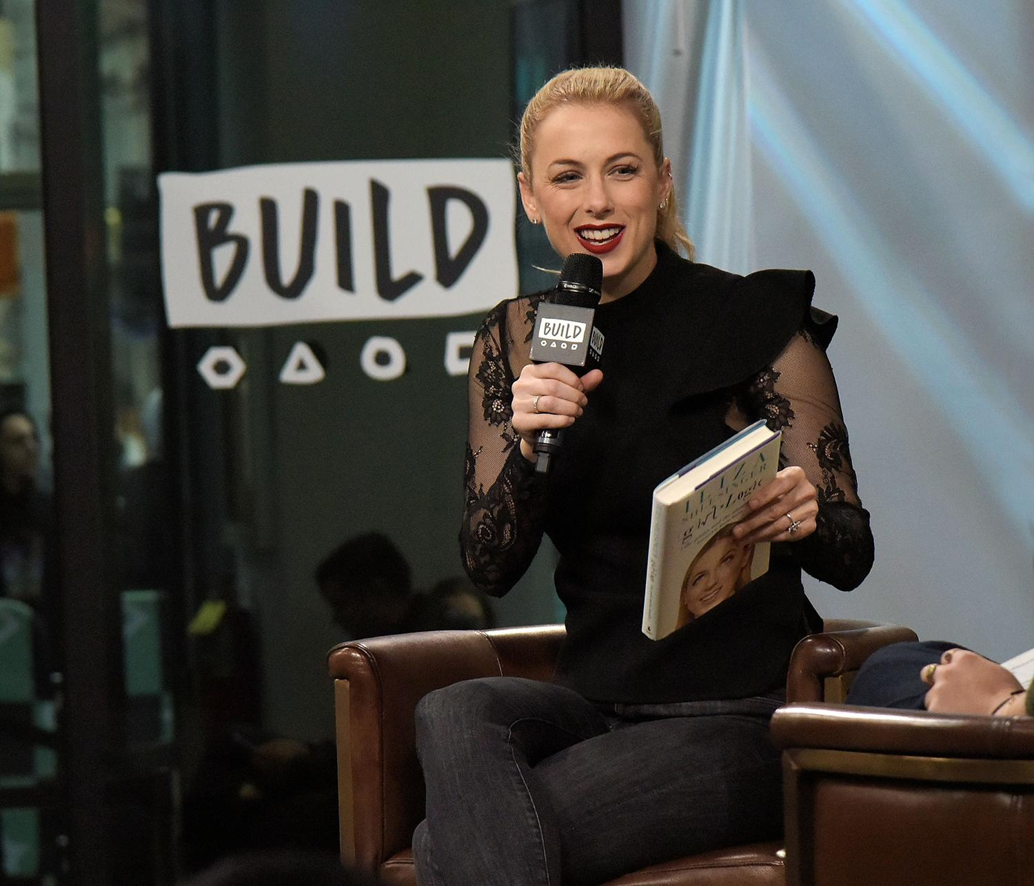 Story Comedian Iliza Shlesinger Wedding: Comedian Iliza Shlesinger On Body Shaming [Video]