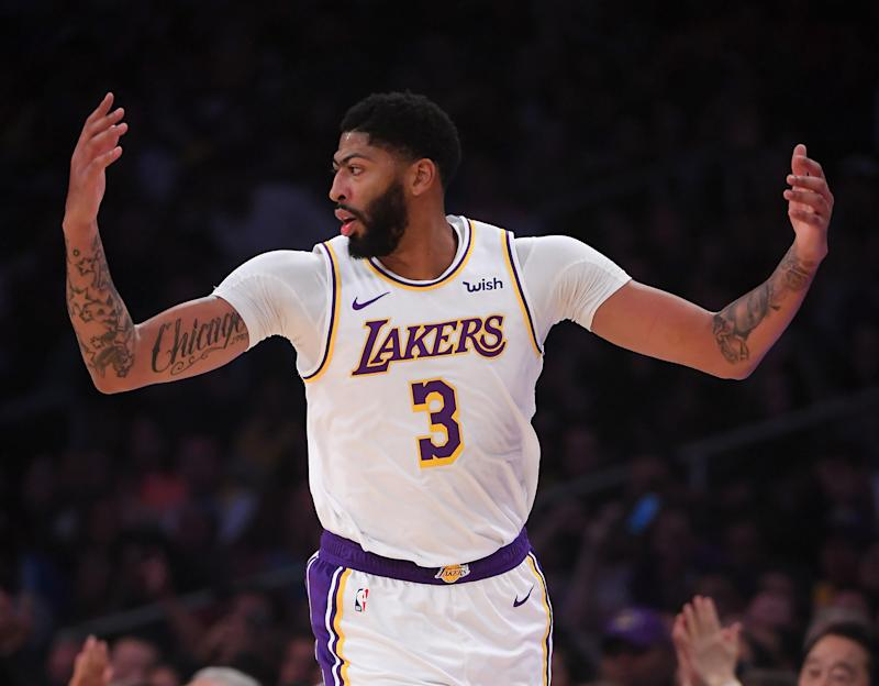 Lakers' Anthony Davis explains why he's a Packers fan