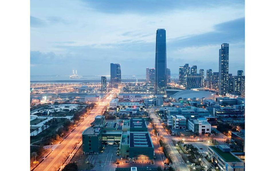 New Songdo International Business District was designed to attract aviation-linked businesses from nearby Incheon International Airport in Seoul, South Korea. | Giulio Di Sturco/INSTITUTE