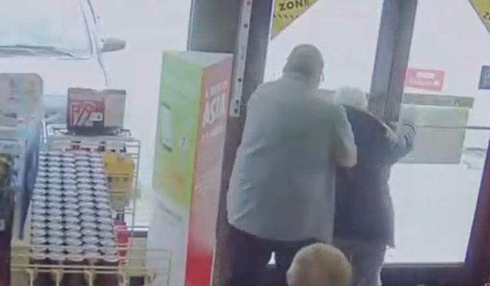 The suspect in a racist attack on an elderly Asian man throws his victim out of a Vancouver convenience store on March 13, in a video released by Vancouver police. Photo: Vancouver Police Department