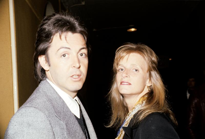 Paul McCartney and his Linda McCartney arrive at the concert to see Frank Sinatra.