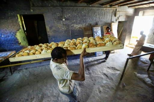 In December 2018, authorities raised the official price of a 70-gram loaf from one Sudanese pound to three, prompting a rush on bakeries and long queues