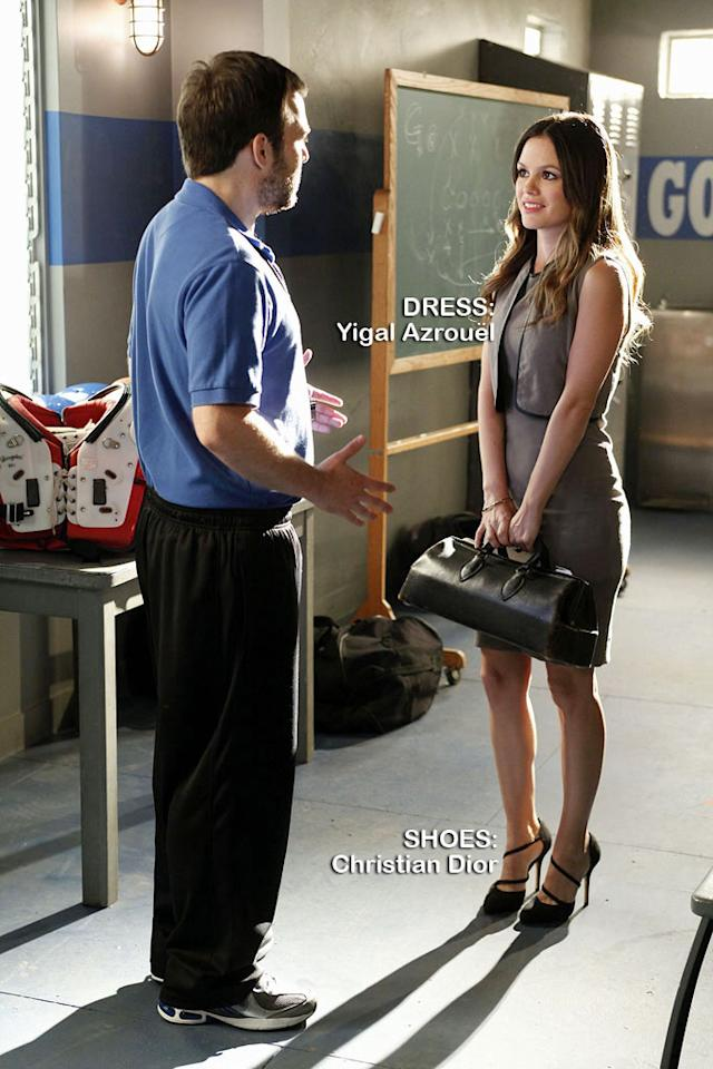 "<a>Kevin Berntson</a> as Coach Scott and <a>Rachel Bilson</a> as Dr. Zoe Hartin in the Season 1 episode ""The Crush & The Crossbow."""