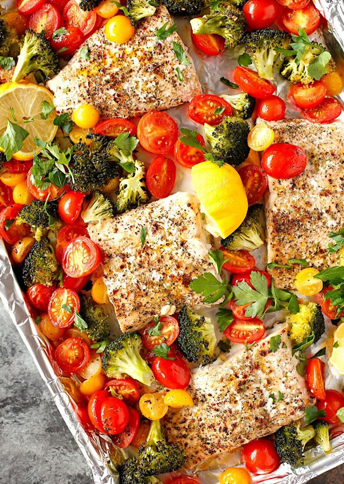 """When easy, healthy meals are <a rel=""""nofollow"""" href=""""http://www.veggiesbycandlelight.com/sheet-pan-lemon-herb-roasted-salmon-with-veggies/"""">this colorful and tasty</a>, you'll feel excited to make dinner on hectic nights."""