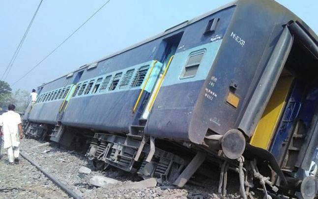 Rajya Rani Express: 8 coaches derail, ex-gratia of Rs 50,000 for injured