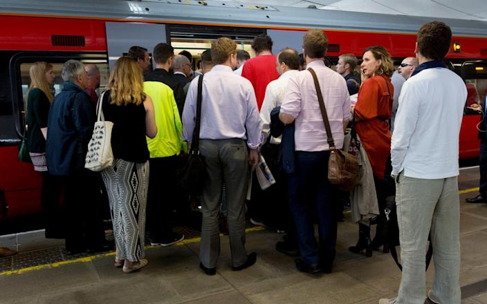 Most rail passengers struggle to connect to the internet on their mobile phone - PA