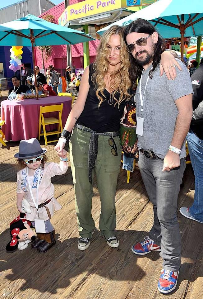 """Former """"Sopranos"""" star Drea de Matteo and singer Shooter Jennings had a blast with their little lady, Alabama Gypsyrose. Charley Gallay/<a href=""""http://www.gettyimages.com/"""" target=""""new"""">GettyImages.com</a> - March 14, 2010"""
