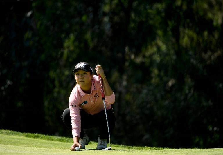 Lydia Ko of New Zealand lines up putt on the first hole during the first round of the KIA Classic, at the Park Hyatt Aviara Resort in Carlsbad, California, on March 23, 2017