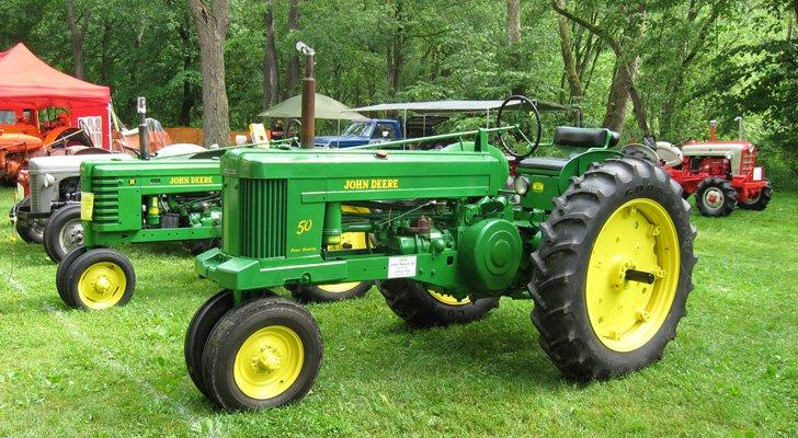 Deere Earnings: DE Stock Dips on Q1 Miss