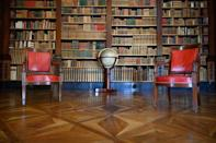 The villa has a large library which contains some 15,000 books, with the oldest volumes dating back to the 15th century