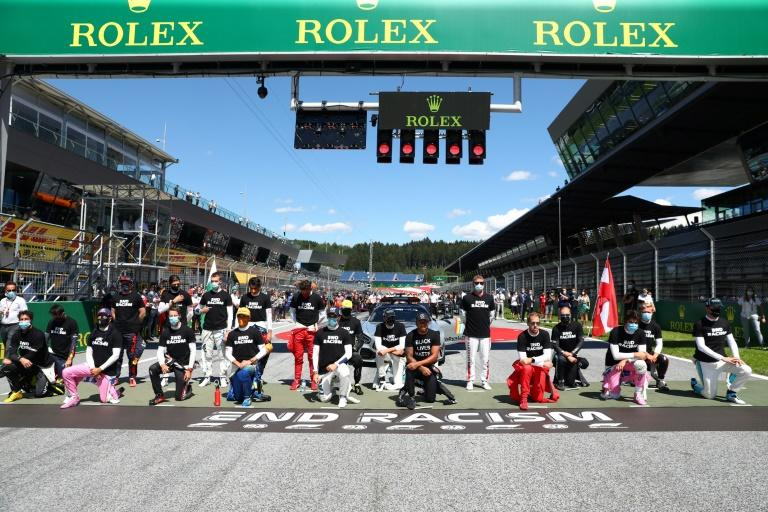 F1 drivers take the knee ahead of first race of new season