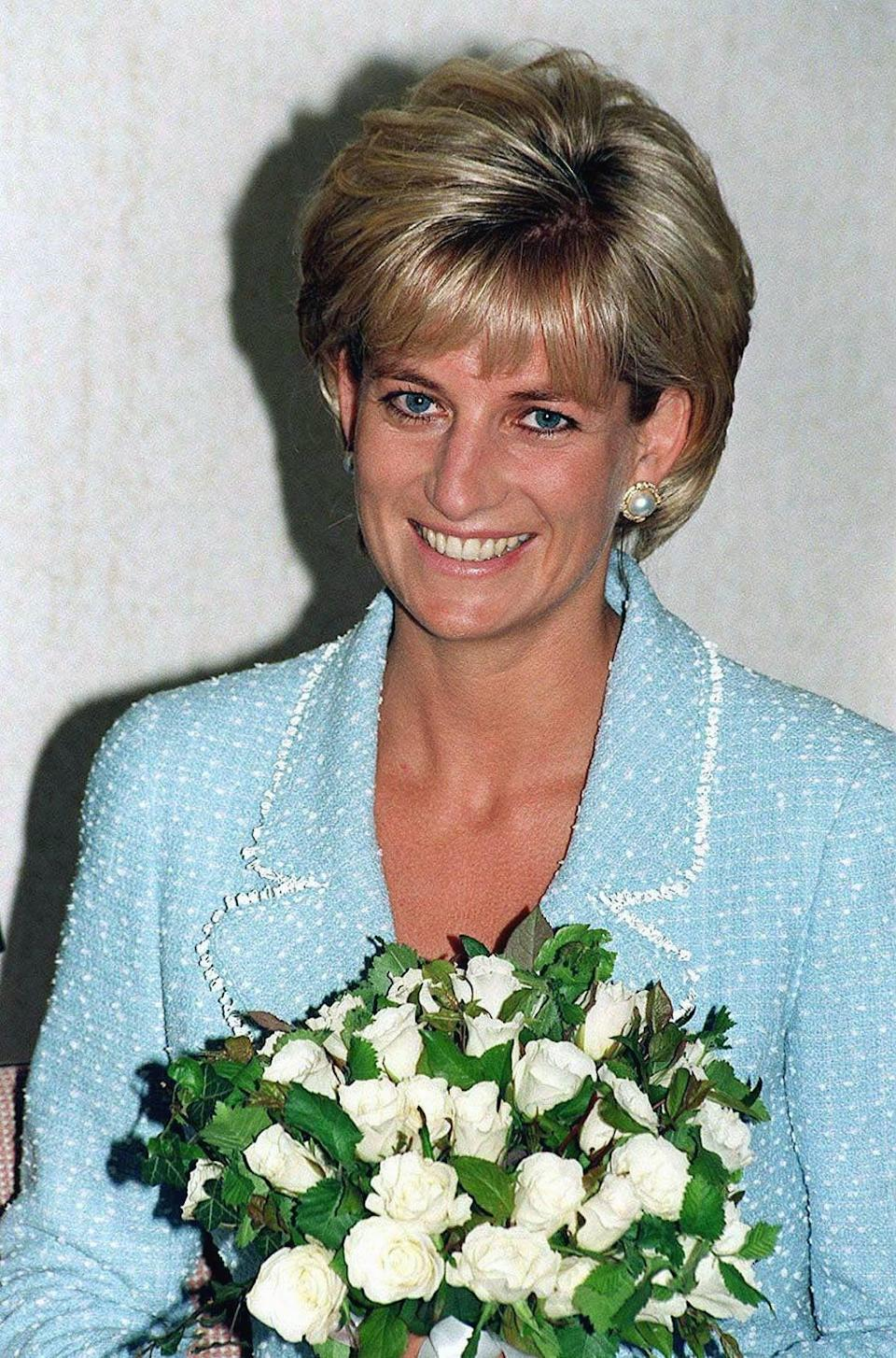 <p>Even when Diana kept her makeup minimal, her coiffure remained unchanged. </p>