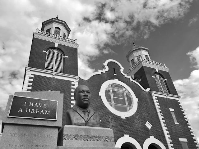 <p>A memorial to Martin Luther King, Jr., outside the historic Brown Chapel church in Selma, Ala. (Photo: Holly Bailey/Yahoo News) </p>