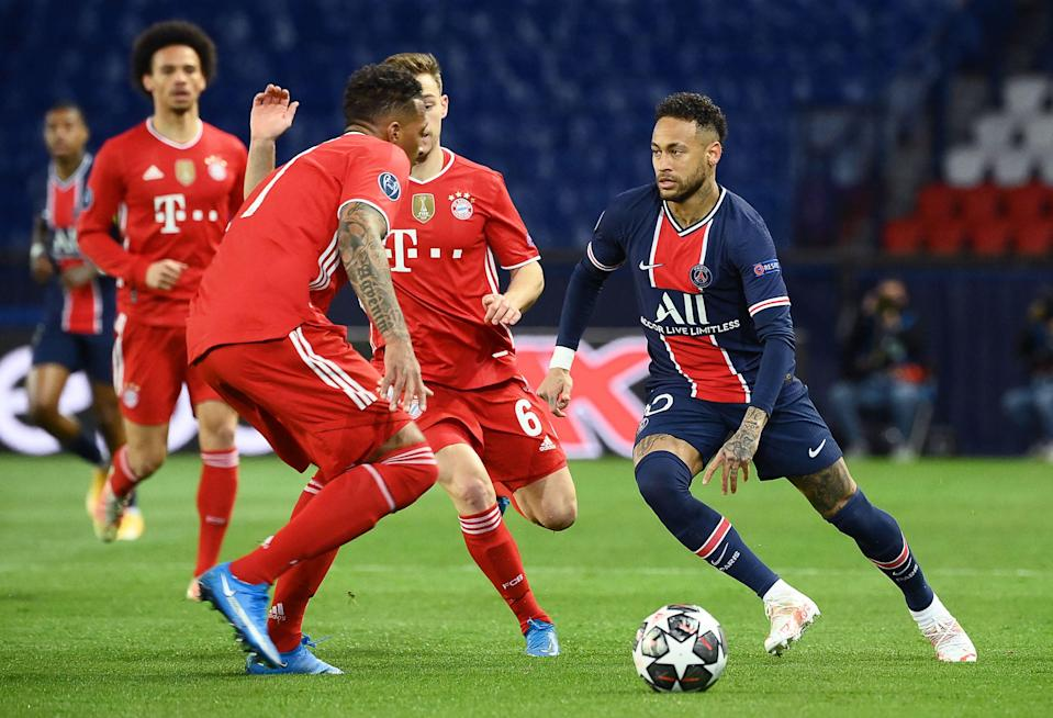 Neymar gets on the ball against Bayern Munich (Getty)