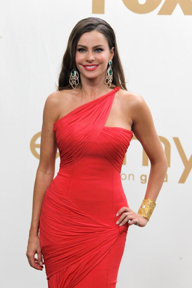 "<div class=""caption-credit""> Photo by: WireImage</div><div class=""caption-title"">The Hourglass, Sofia Vergara</div><p>   <b>Recommended exercises for the</b> <b>X Shape Body:  </b> <a rel=""nofollow"" href=""http://shine.search.yahoo.com/r/_ylt=A2KLOzEsynVPCxsAd0IhmolQ;_ylu=X3oDMTByYmFwb3R2BHBvcwM5BHNlYwNzcgRjb2xvA2FjNAR2dGlkAw--/SIG=12trl6f9e/EXP=1333148332/**http%3a//shine.yahoo.com/healthy-living/essential-guide-yoga-235400914.html"" target=""_blank"">Yoga</a>, <a rel=""nofollow"" href=""http://shine.yahoo.com/latina/salsa-your-way-to-a-better-body-2497362.html;_ylt=AqgxiZ2EvZxEPKjucNks_uRxk6U5;_ylu=X3oDMTRhYmdndXVrBG1pdANsYXRpbmEgZmVhdHVyZWQgcm9sbARwa2cDZTdlNTMyOWItZDc0MS0zYzM1LThhYTctZWM3OGJiODQ3Y2IxBHBvcwM0BHNlYwNNZWRpYUZlYXR1cmVkUm9sbExQQ0EEdmVyA2M0OWNmZjk5LTczOGEtMTFlMS1iZjdkLThiMTRjOTIwNTAyOQ--;_ylg=X3oDMTFrM25vcXFyBGludGwDdXMEbGFuZwNlbi11cwRwc3RhaWQDBHBzdGNhdAMEcHQDc2VjdGlvbnMEdGVzdAM-;_ylv=3"" target=""_blank"">dancing</a>, <a rel=""nofollow"" href=""http://shine.yahoo.com/healthy-living/get-on-the-pole-how-pole-dancing-benefits-the-body-and-mind-2395992.html"" target=""_blank"">pole dancing</a>, <a rel=""nofollow"" href=""http://Your%207-Day%20Exercise%20Plan:%20Day%201%20-%20Cardio%20and%20Upper-Body%20Weight%20Training"" target=""_blank"">weight training</a>, <a rel=""nofollow"" href=""http://shine.yahoo.com/healthy-living/bike-your-way-to-a-better-body-2487615.html"" target=""_blank"">biking</a>, rhythmic gymnastics and <a rel=""nofollow"" href=""http://shine.yahoo.com/autumn-in-new-jeans/looking-for-a-new-workout-try-rock-climbing-516022.html"" target=""_blank"">rock climbing.</a> </p>"