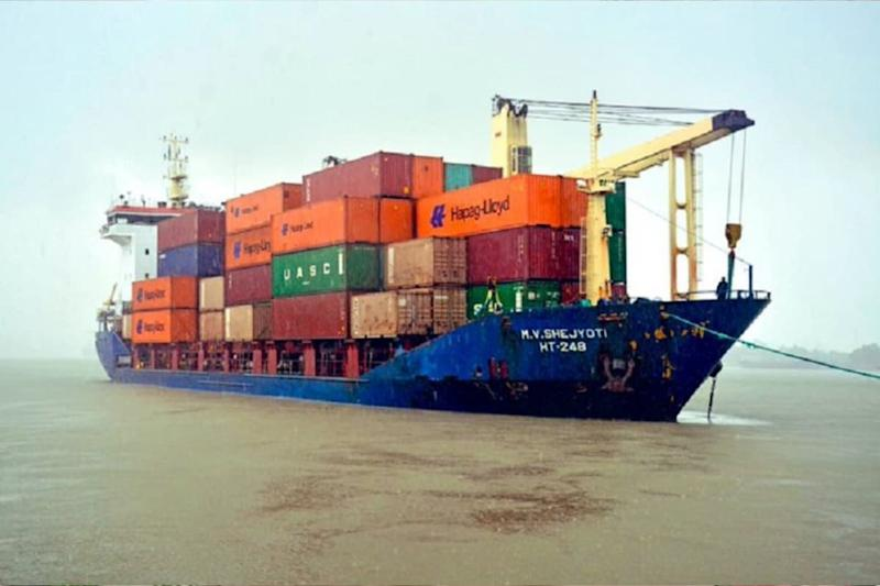 Sri Lanka Returns 21 Containers Holding 260 Tonnes Illegal Waste to Britain