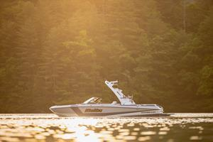 The Malibu Wakesetter 21 LX is a brand-new boat for 2022 that pulls from a pedigree of models that preceded it to deliver the performance expected from a true Malibu Wakesetter. Versatility, comfort and ultimate convenience are the hallmarks of this 2022 brand-new 21 LX—making it the perfect entry point for Malibu's Wakesetter line-up.
