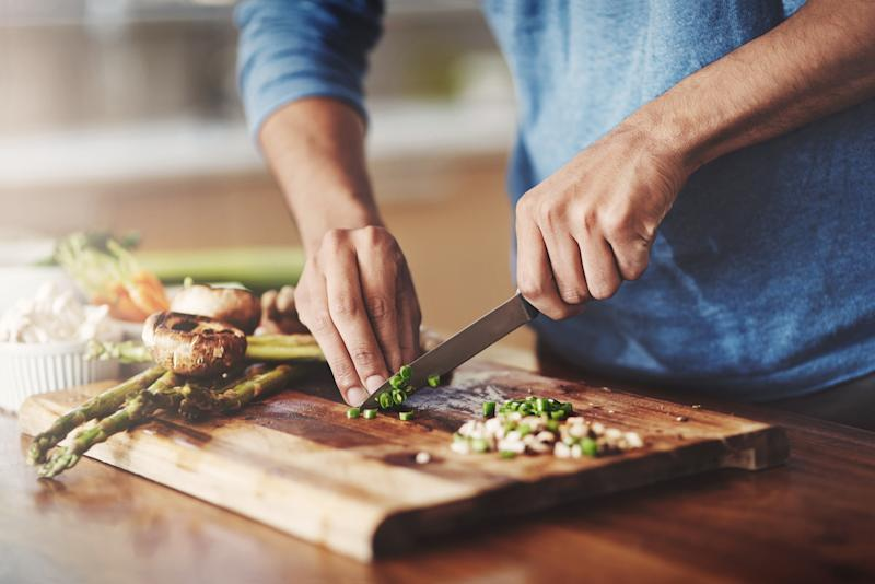 Losing weight isn't the only benefit to low carb diets [Photo: Getty]