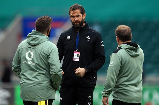 Andy Farrell, centre