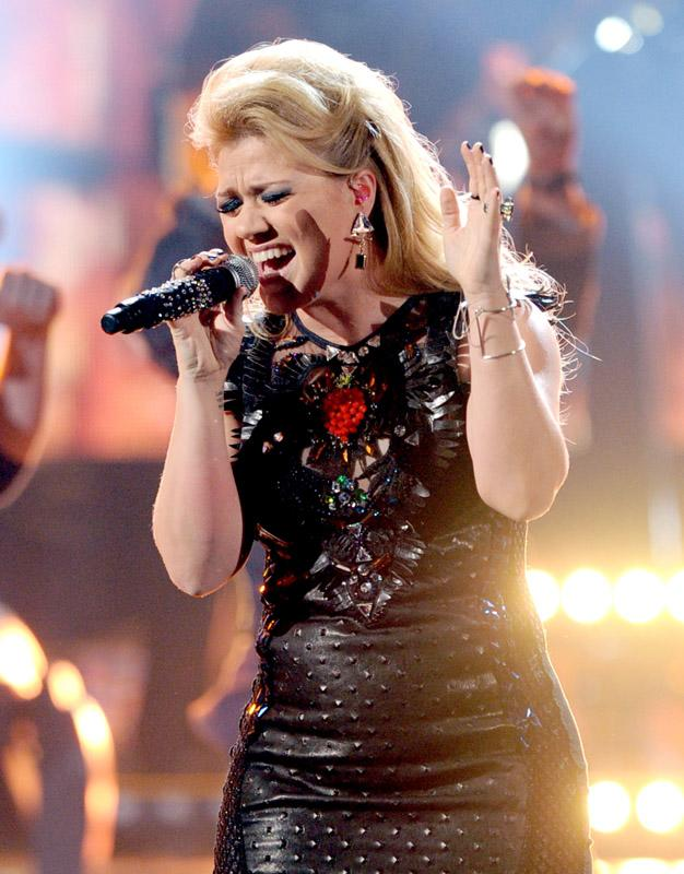 Kelly Clarkson 40th Annual American Music Awards Los Angeles, CA