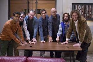 """VARIDESK Supports Silicon Valley Community Foundation by Auctioning Signed Desks Used in HBO's """"Silicon Valley"""""""
