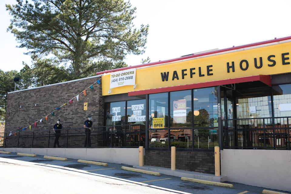 Life at the Waffle House in 2020. (Michael Mathes / Getty)
