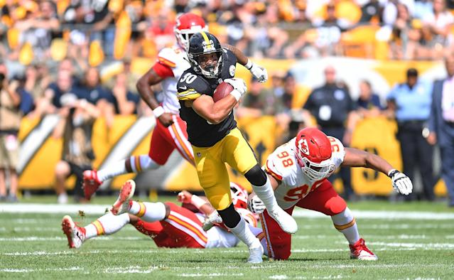 <p>James Conner #30 of the Pittsburgh Steelers runs the ball in the first half during the game against the Kansas City Chiefs at Heinz Field on September 16, 2018 in Pittsburgh, Pennsylvania. (Photo by Joe Sargent/Getty Images) </p>