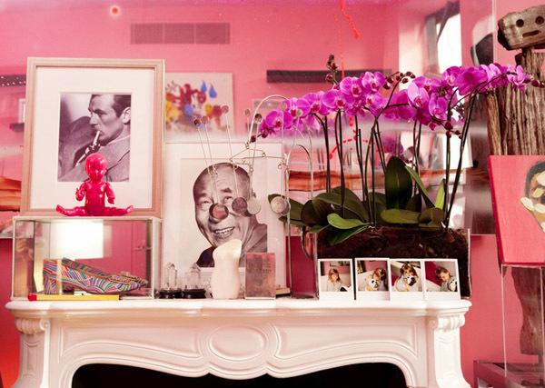 pink story 12 (Adult) Ways to Decorate With the Color Pink