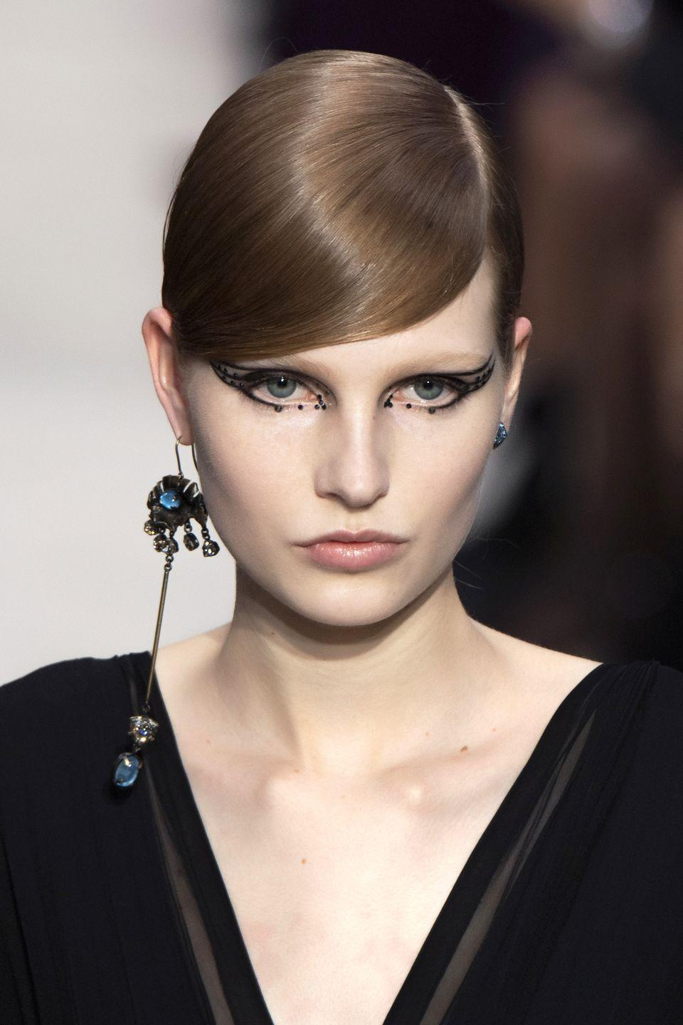 <p>Sometimes you just wanna wear one earring, and that's <em>totally </em>fine. </p><p><em>Valentino</em></p>