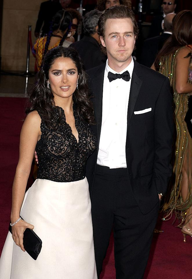 Shortly after he and Courtney broke up, Ed fell for Mexican-born beauty Salma Hayek. The two dated through 2002 and were rumored to be engaged for a short time.