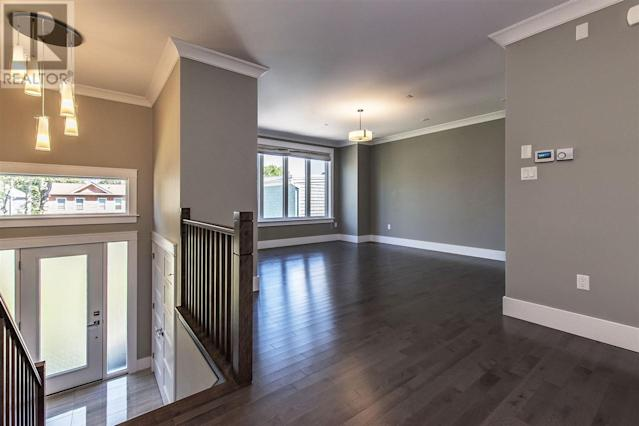 <p><span>5826 Fays Lane, Halifax, N.S.</span><br> This home has Lunenberg-style doors, and a separate living room and dining room.<br> (Photo: Zoocasa) </p>