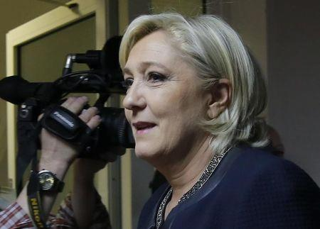 Putin discusses anti-terrorism with France's Le Pen